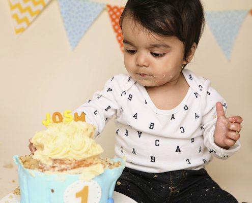 cake smash photo of boy comox photographer