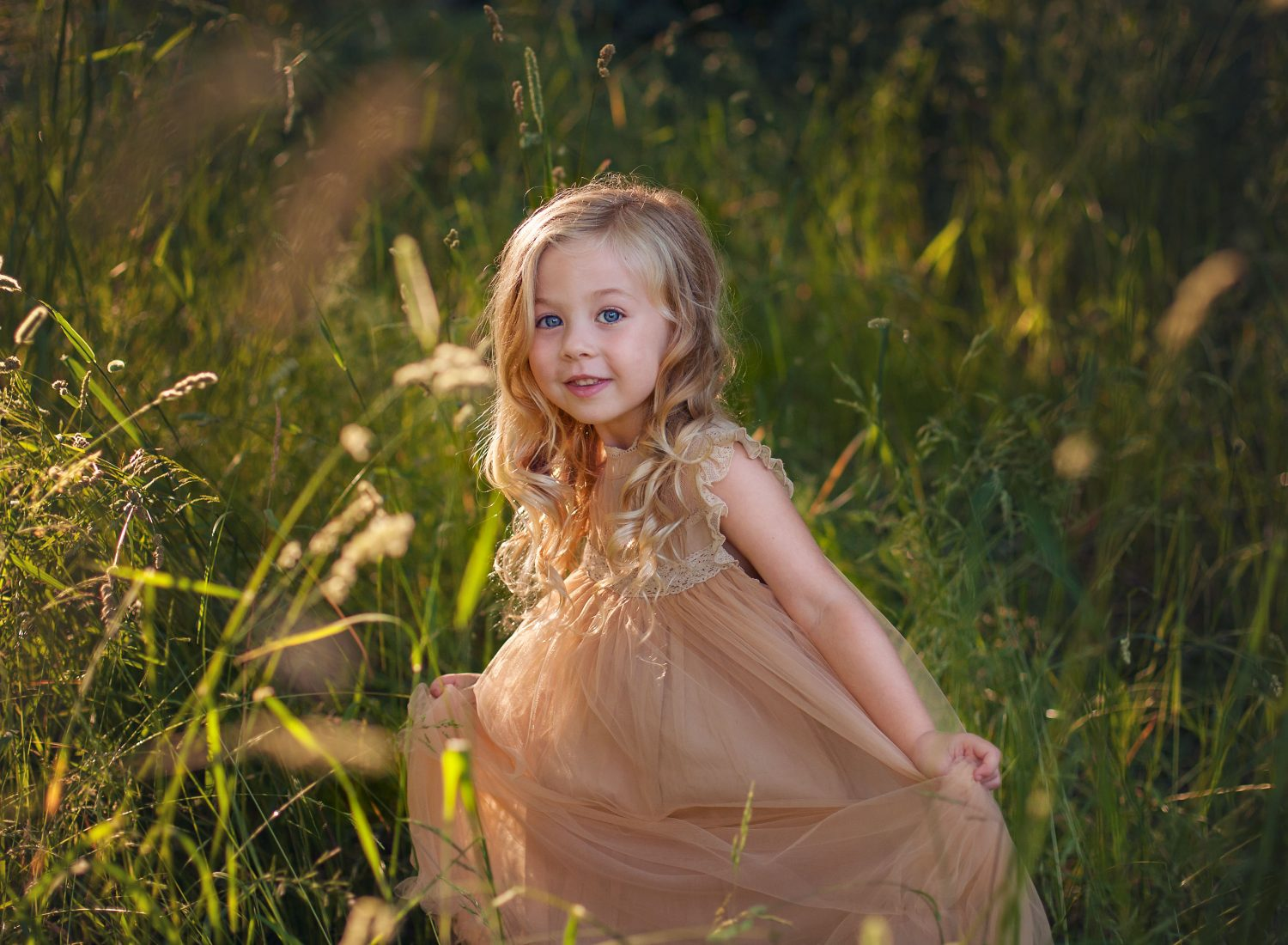 children's portrait photo in long grass comox