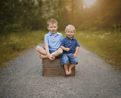 outdoor children's photograph brothers comox valley
