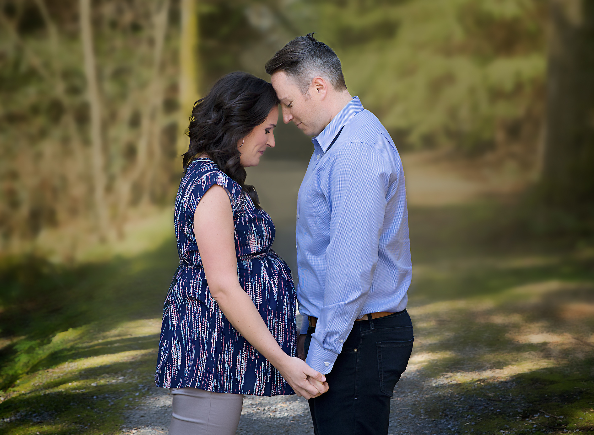 forest maternity photography courtenay