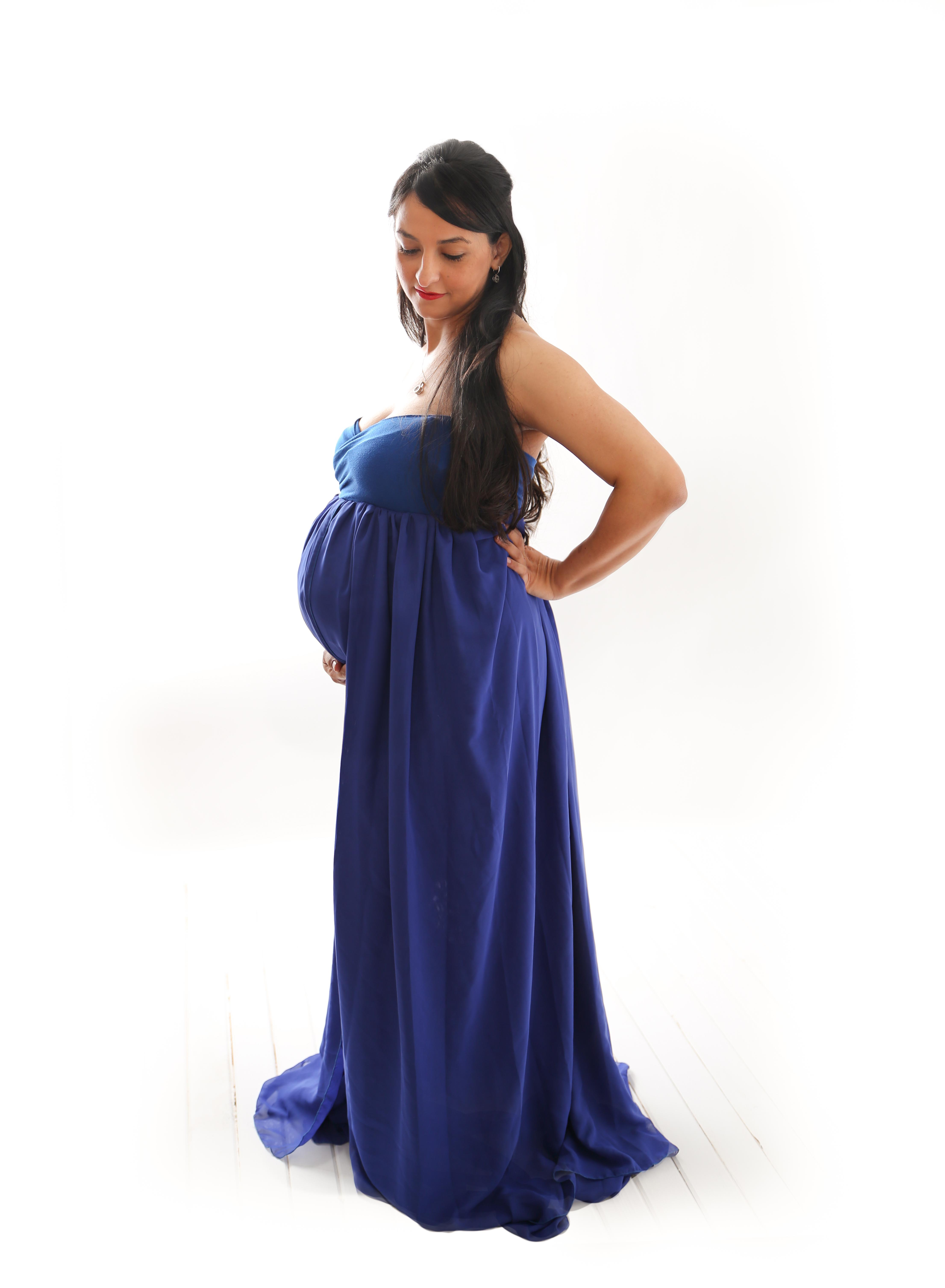 indoor maternity session courtenay