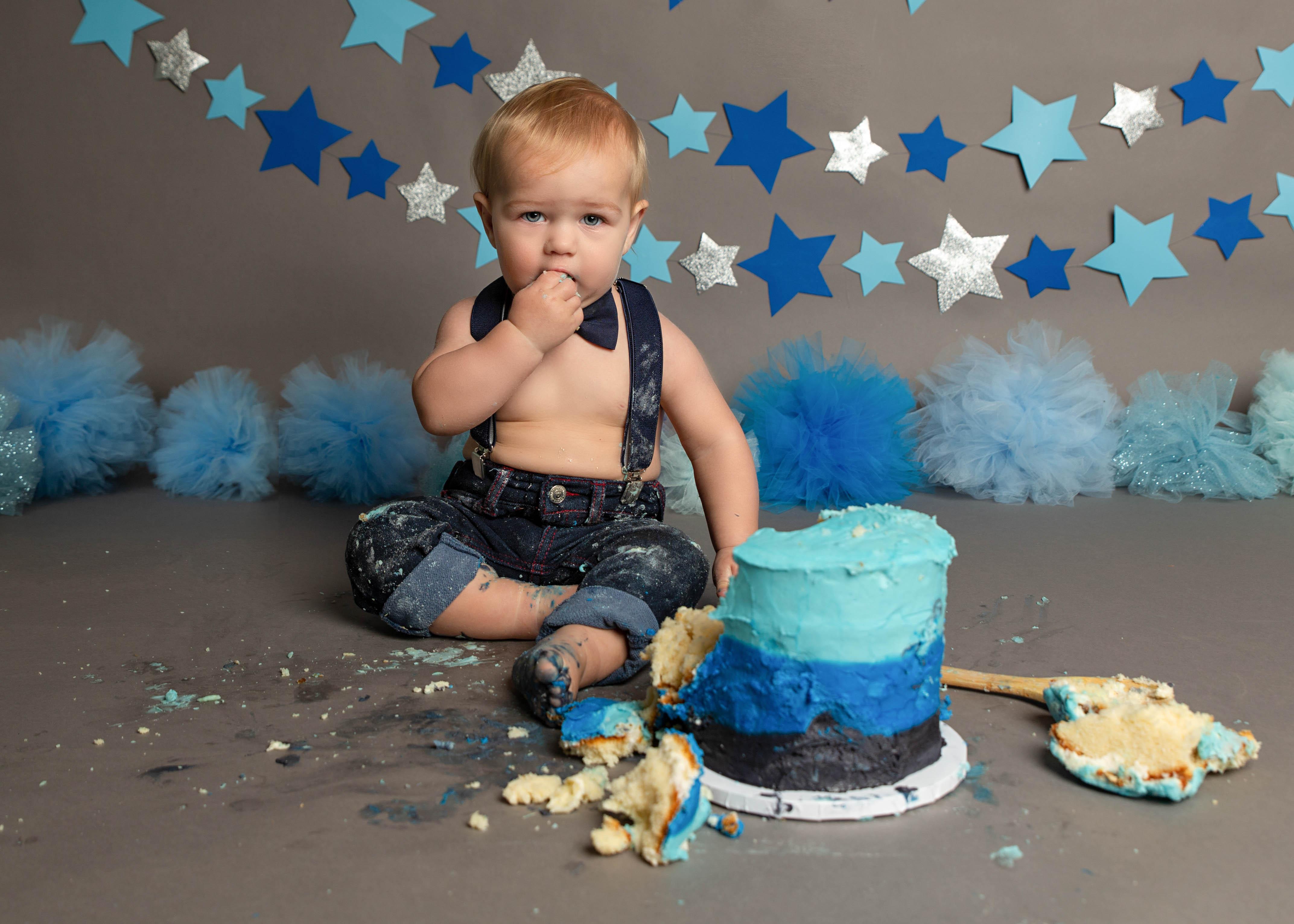 blue stars cake smash campbell river